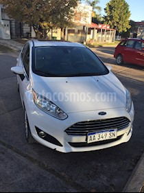 Ford Fiesta Kinetic Titanium Powershift usado (2016) color Blanco Oxford precio $730.000