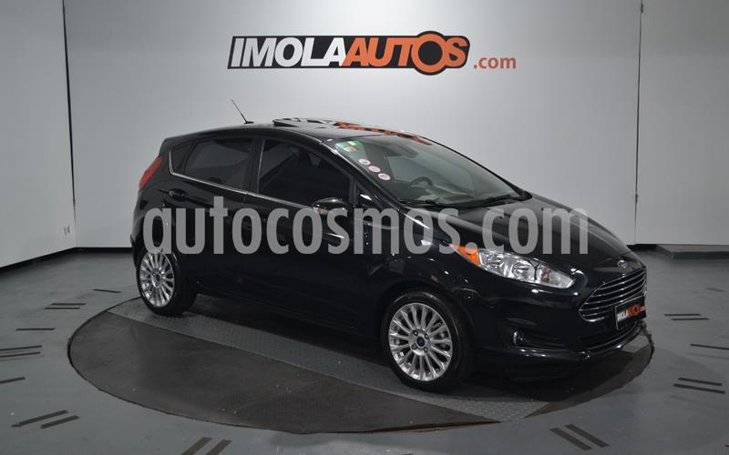 Ford Fiesta Kinetic Titanium usado (2015) color Negro Perla precio $760.000
