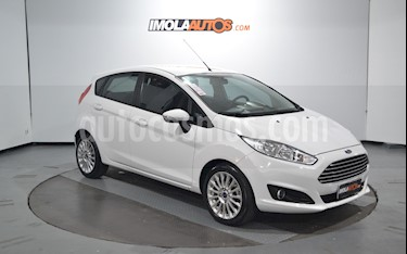 Ford Fiesta Kinetic SE  usado (2016) color Blanco Oxford precio $560.000