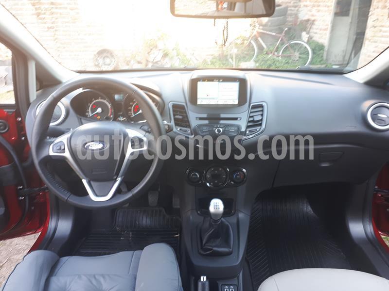 Ford Fiesta Kinetic Titanium usado (2019) color Rojo Rubi precio $1.200.000