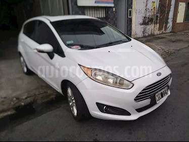 Ford Fiesta Kinetic SE Plus  usado (2014) color Blanco precio $610.000