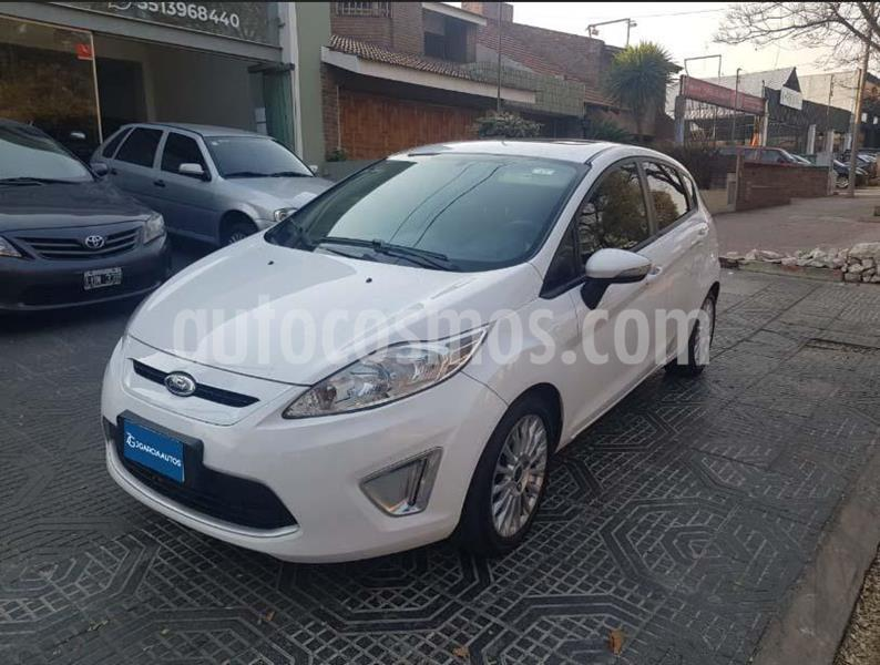 Ford Fiesta Kinetic Titanium usado (2012) color Blanco precio $699.000