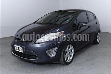 Ford Fiesta Kinetic Titanium usado (2013) color Blanco precio $570.000