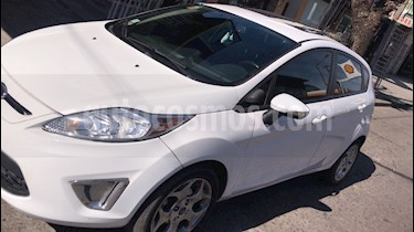 Ford Fiesta Kinetic Titanium usado (2011) color Blanco Oxford precio $459.000