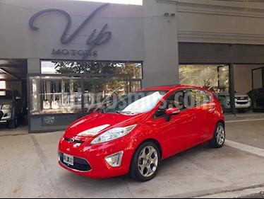 Ford Fiesta Kinetic Titanium usado (2012) color Rojo precio $495.000