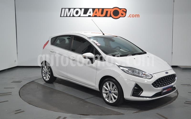 Ford Fiesta Kinetic Titanium Powershift usado (2018) color Blanco Oxford precio $1.550.000
