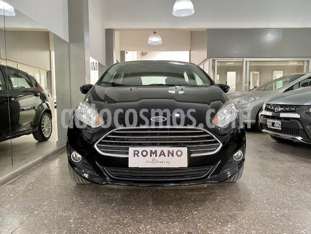 Ford Fiesta Kinetic SE Plus Powershift usado (2014) color Negro Perla precio $990.000