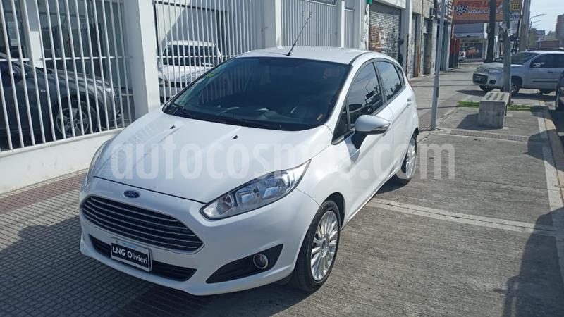 Ford Fiesta Kinetic SE  usado (2015) color Blanco Oxford precio $870.000