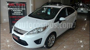 Foto Ford Fiesta Kinetic SE Plus usado (2013) color Blanco precio $430.000