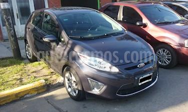 Foto Ford Fiesta Kinetic S Plus usado (2013) color Azul Mediterraneo precio $385.000