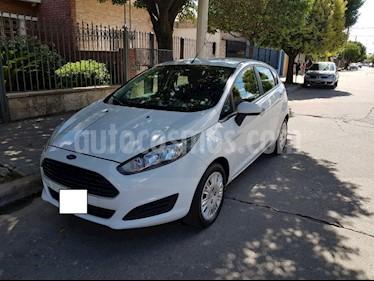 Foto venta Auto usado Ford Fiesta Kinetic S (2014) color Blanco precio $315.000