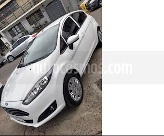 Foto venta Auto usado Ford Fiesta Kinetic S (2016) color Blanco Oxford precio $395.000