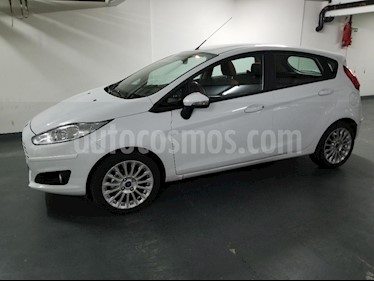 Ford Fiesta Kinetic SE Plus  usado (2017) color Blanco Oxford precio $680.000