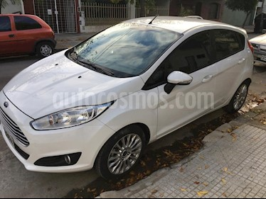 Foto venta Auto usado Ford Fiesta Kinetic SE Plus  (2015) color Blanco Oxford precio $420.000