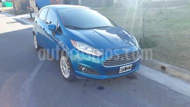 Ford Fiesta Kinetic SE Plus  usado (2014) color Azul Mediterraneo precio $360.000