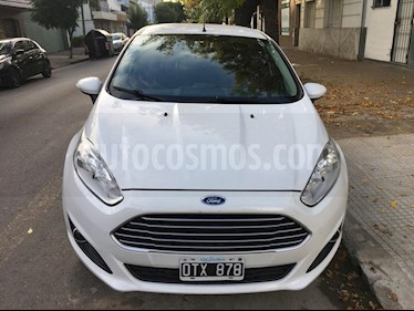 foto Ford Fiesta Kinetic SE Plus  usado (2015) color Blanco Oxford precio $420.000