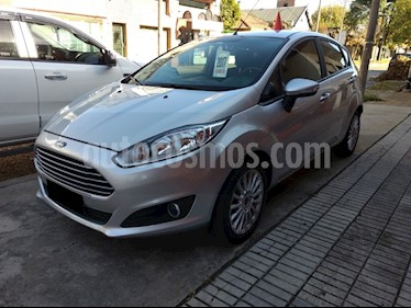 Ford Fiesta Kinetic SE Powershift usado (2017) color Gris precio $660.000