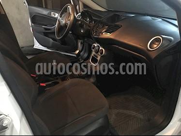 foto Ford Fiesta Kinetic SE usado (2014) color Blanco precio $500.000