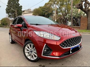 foto Ford Fiesta Kinetic SE usado (2018) color Rojo Rubí precio $600.000