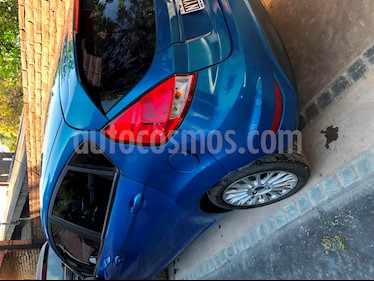 Foto venta Auto usado Ford Fiesta Kinetic SE  (2014) color Azul Mediterraneo precio $310.000