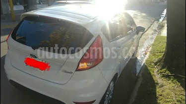 Foto Ford Fiesta Kinetic SE  usado (2014) color Blanco Oxford precio $335.000