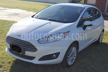 Foto venta Auto usado Ford Fiesta Kinetic Titanium Powershift (2015) color Blanco precio $438.000