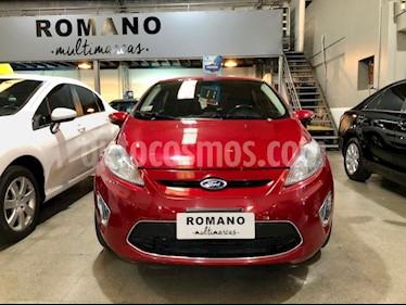 Foto Ford Fiesta Kinetic Titanium usado (2011) color Rojo Volcanico precio $340.000