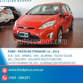 Ford Fiesta Kinetic Titanium usado (2012) color Rojo