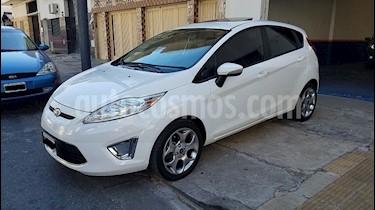 Foto venta Auto Usado Ford Fiesta Kinetic Titanium (2012) color Blanco Oxford precio $299.900
