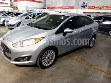 Foto venta Auto usado Ford Fiesta Kinetic Titanium (2014) color Gris Claro precio $475.000