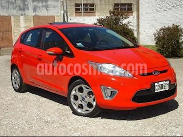 Foto Ford Fiesta Kinetic Titanium usado (2013) color Rojo precio $255.000