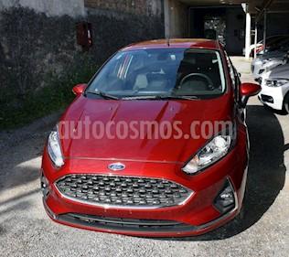 Ford Fiesta Kinetic Titanium usado (2018) color Rojo Rubi precio $800.000