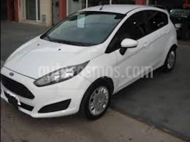 Ford Fiesta Kinetic Titanium usado (2016) color Blanco precio $300.000