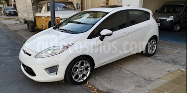 Foto venta Auto usado Ford Fiesta Kinetic Titanium (2013) color Blanco Oxford precio $375.000