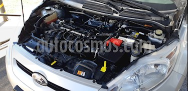 Ford Fiesta Kinetic Titanium usado (2013) color Plata precio $280.000