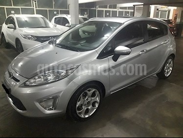 Foto venta Auto usado Ford Fiesta Kinetic Titanium (2013) color Gris Grafito precio $295.900