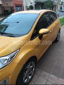 Ford Fiesta Kinetic Titanium usado (2011) color Amarillo Perlado precio $375.000