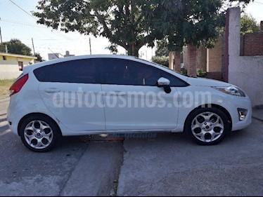 Foto venta Auto Usado Ford Fiesta Kinetic Titanium (2011) color Blanco precio $260.000