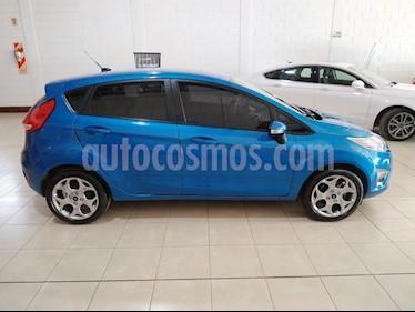 foto Ford Fiesta Kinetic Titanium usado (2012) color Azul Celeste precio $420.000