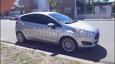 Foto venta Auto usado Ford Fiesta Kinetic Titanium (2014) color Plata precio $438.000