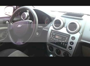 Foto Ford Fiesta Max Ambiente TDCi usado (2007) color Perla Ocre precio $140.000