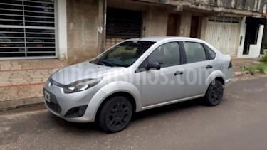 Foto venta Auto Usado Ford Fiesta Max Ambiente (2012) color Gris