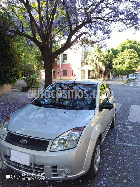 Ford Fiesta Max Ambiente usado (2007) color Gris Plata  precio $435.000