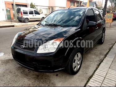 Ford Fiesta Max Ambiente usado (2009) color Negro Ebony precio $390.000