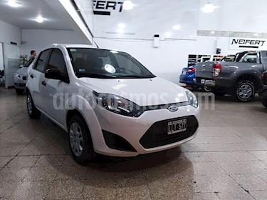 Ford Fiesta Max Ambiente Plus usado (2012) color Blanco precio $345.000