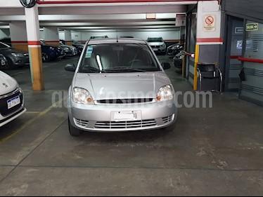 Ford Fiesta Max Ambiente Plus usado (2006) color Gris precio $195.000