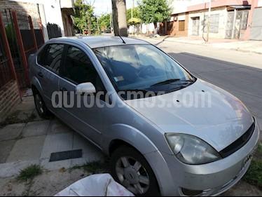 Foto venta Auto usado Ford Fiesta Max Edge Plus (2005) color Plata precio $110.000