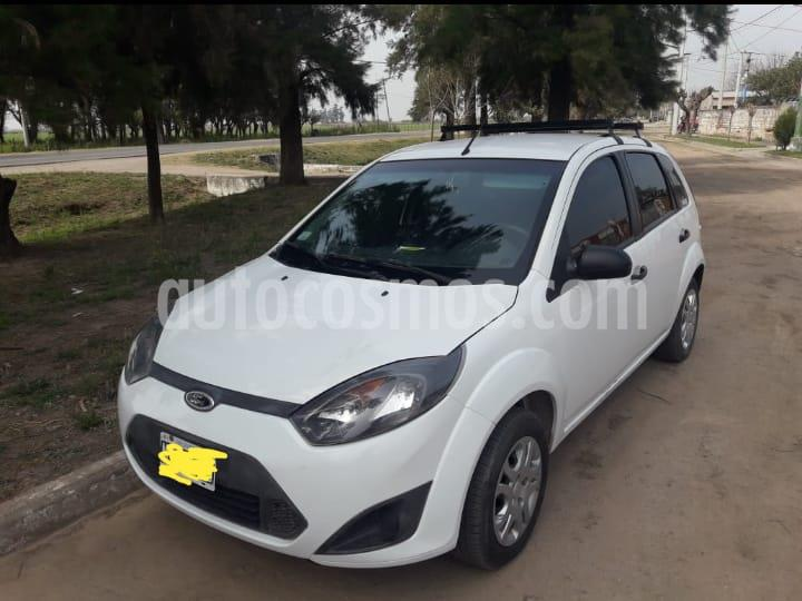 Ford Fiesta One Ambiente Plus usado (2013) color Blanco Oxford precio $365.000