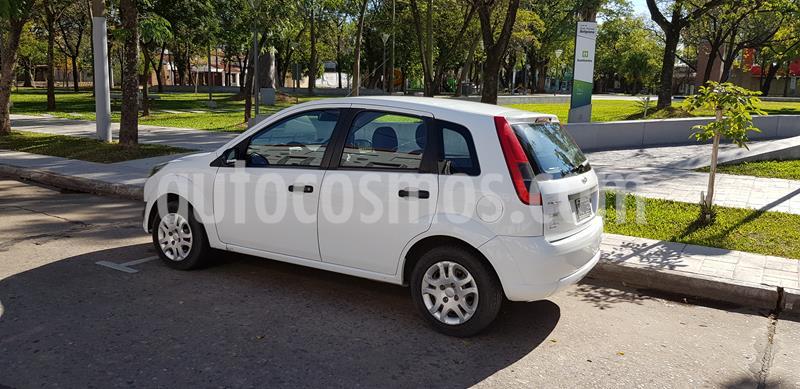 Ford Fiesta One Ambiente Plus usado (2013) color Blanco precio $550.000