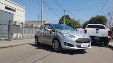 Foto Ford Fiesta One Edge Plus usado (2015) color Gris Claro precio $460.000